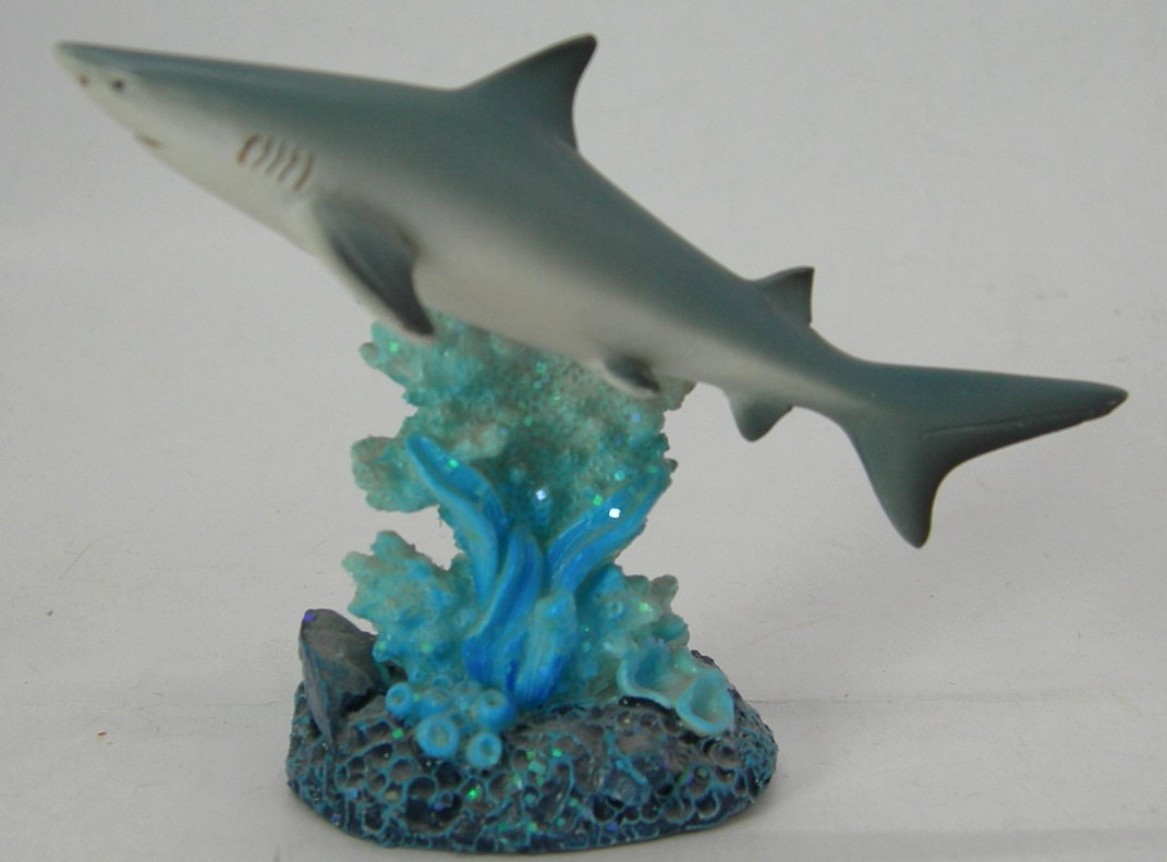 Requin a me0840 grossiste cadeaux d corations figurines for Requin decoration
